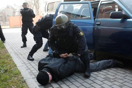 Борьба с терроризмом, незаконным оборотом оружия и наркотиков, коррупцией