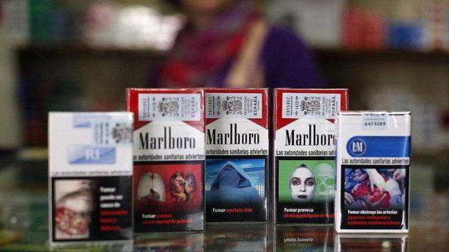 Американская пачка сигарет с надписью о вреде курения