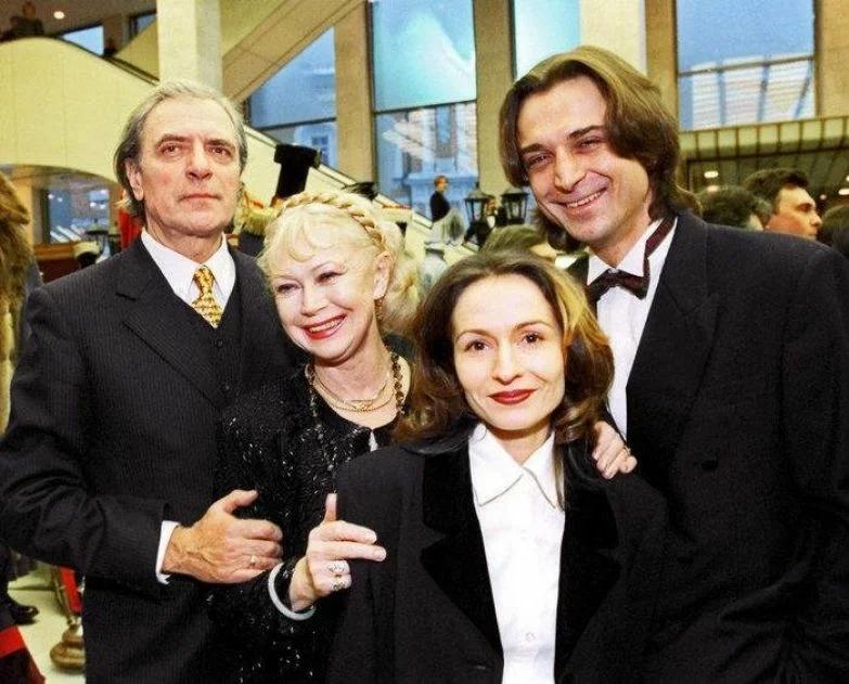 Семья Лазарева и Немоляевой