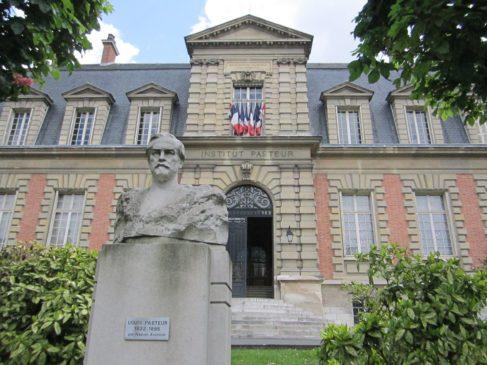 Здание Института Пастера в Париже