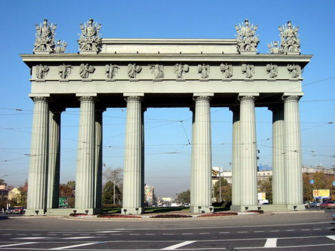 Московские Триумфальные ворота в Санкт-Петербурге