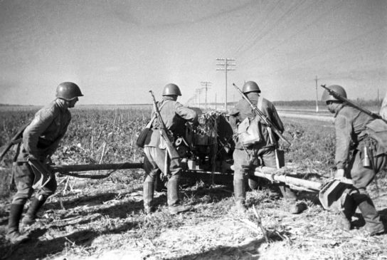 Советские солдаты во время обороны Одессы