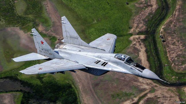 МиГ-29 в полете