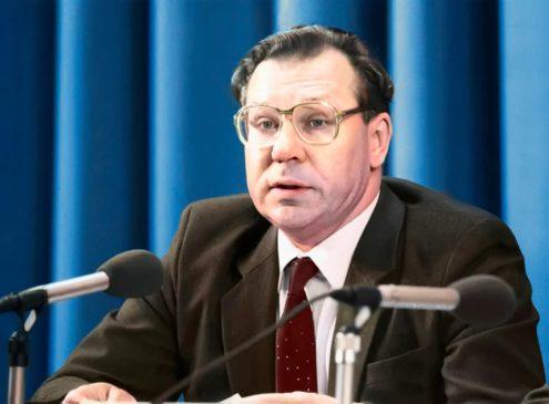 Валерий Легасов, советский ученый, химик-неорганик, академик, Герой России.