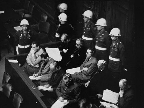 Нацисты на скамье подсудимых