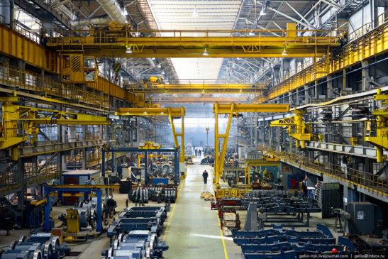 Это профессиональный праздник рабочих и инженеров машиностроительной отрасли